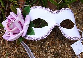 Country Rose Lilac Mask